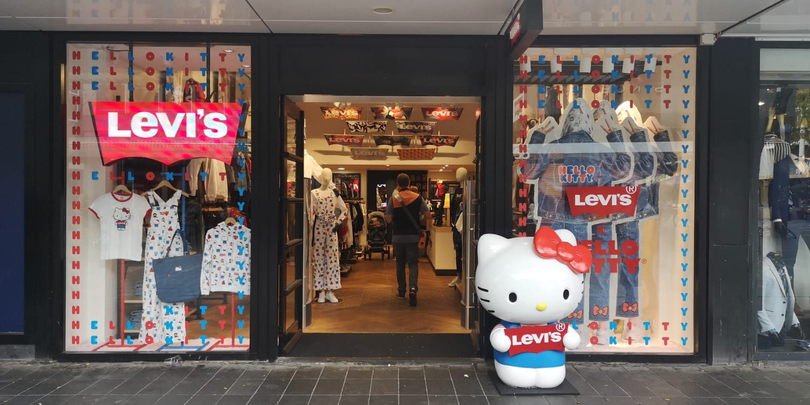 Hello Kitty Levi's 2